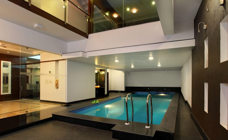 Courtyard Home:  Hotels by Architecture Continuous,Modern