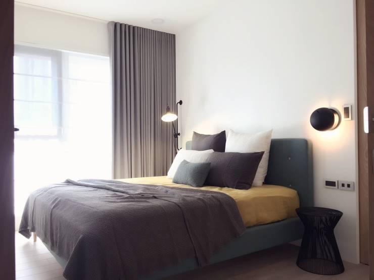 Bedroom by Fertility Design 豐聚空間設計, Modern