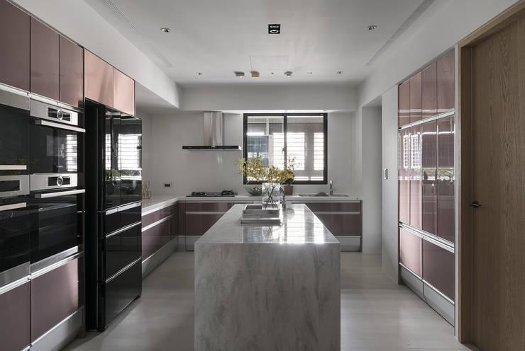 微光:  廚房 by Fertility Design 豐聚空間設計