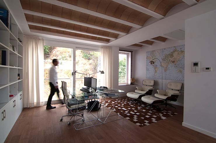 مكتب عمل أو دراسة تنفيذ LaBoqueria Taller d'Arquitectura i Disseny Industrial