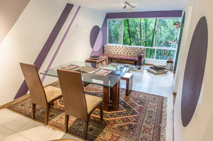 SALA Y COMEDOR : Salas de estilo  por Aluzina