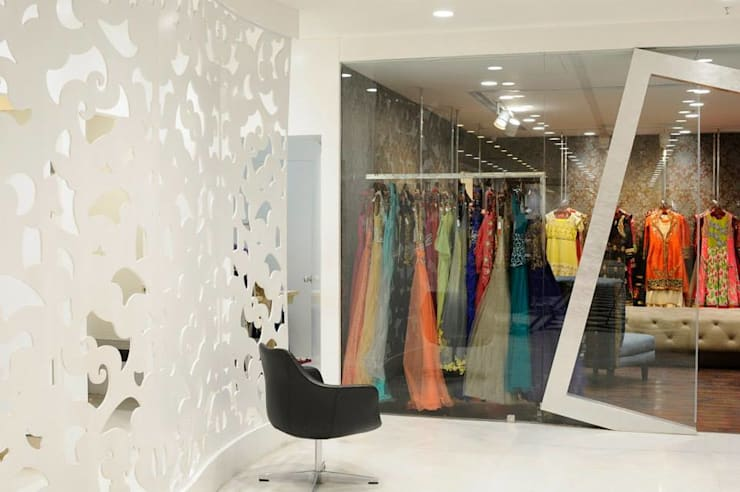 Boutique entrance design :  Offices & stores by Rhythm  And Emphasis Design Studio ,Modern