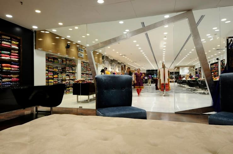 Boutique interiors entrance design :  Offices & stores by Rhythm  And Emphasis Design Studio ,Modern
