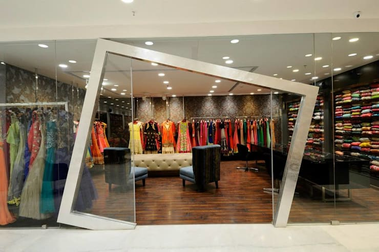 Main entrance design :  Offices & stores by Rhythm  And Emphasis Design Studio ,Modern