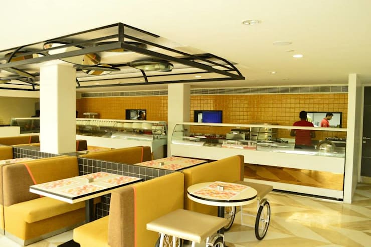 Buffet counter design in the restaurant :  Gastronomy by Rhythm  And Emphasis Design Studio ,Modern
