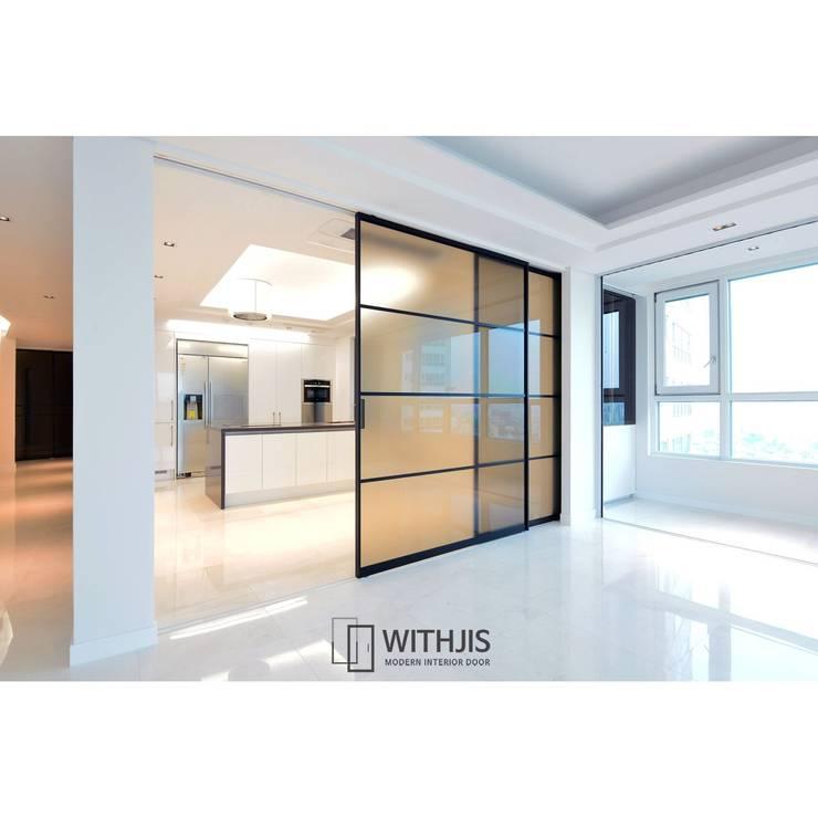 유리슬라이딩도어 : WITHJIS(위드지스)의  문,모던