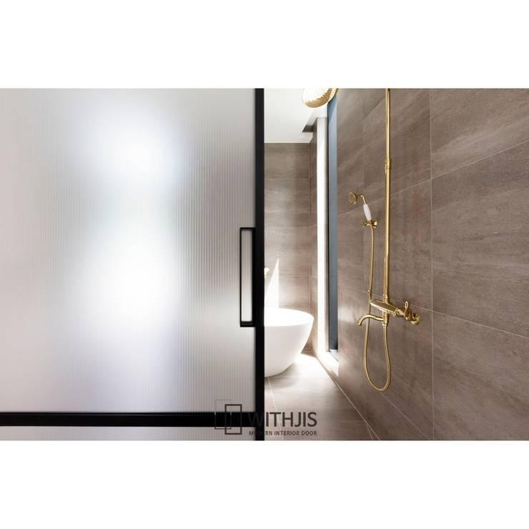 알루미늄중문: WITHJIS(위드지스)의  문,모던