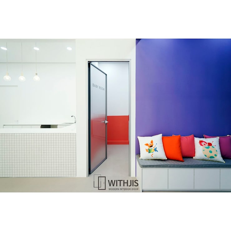 더아름-잠실 플레이송스: WITHJIS(위드지스)의  문,모던