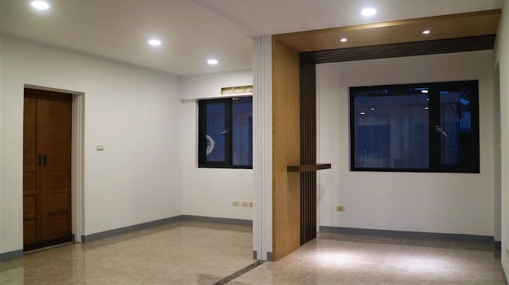 【客製19坪】平屋頂-長治:  走廊 & 玄關 by 築地岩移動宅