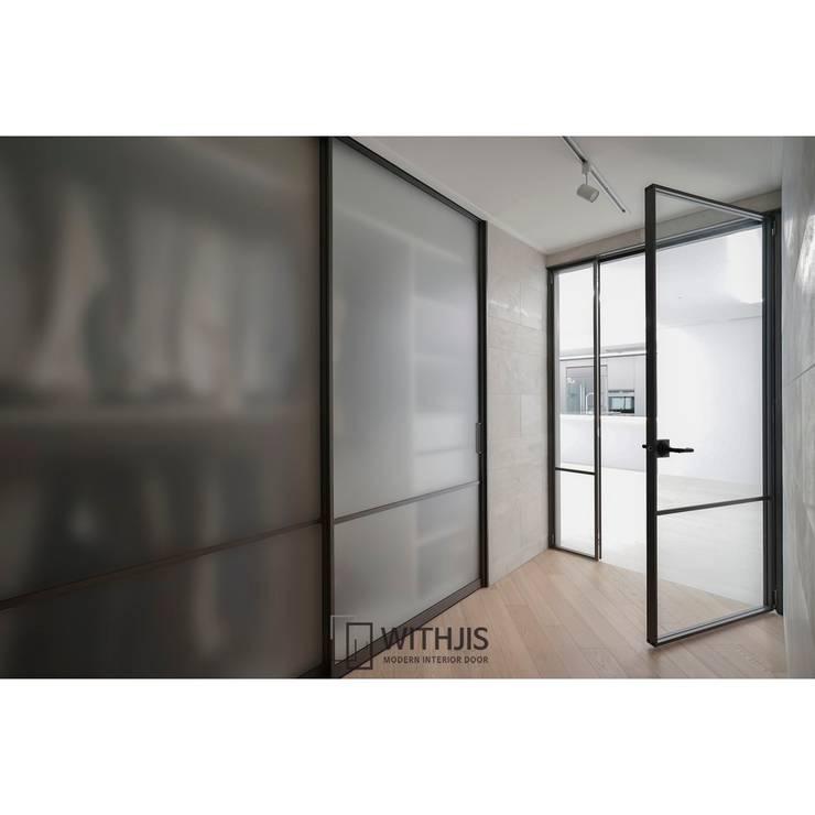 미닫이도어 및 양개형여닫이: WITHJIS(위드지스)의  문,