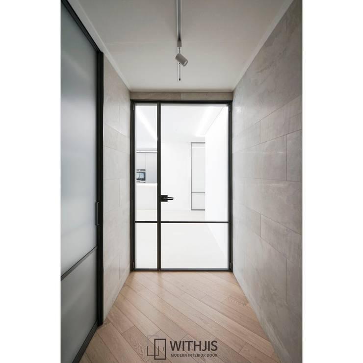 ALU-SW 양개여닫이도어 현관중문: WITHJIS(위드지스)의  문,