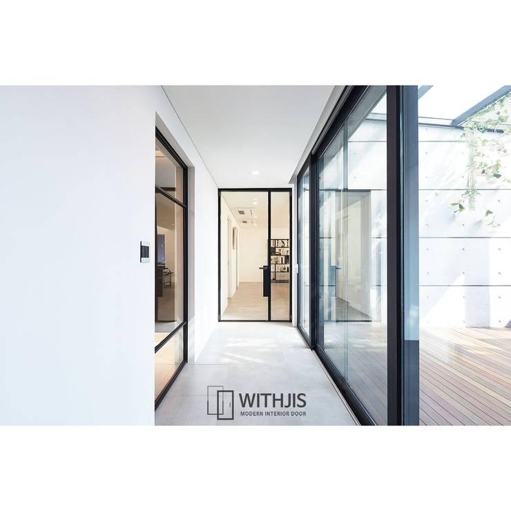 로이디자인, 인테리어도어: WITHJIS(위드지스)의  문