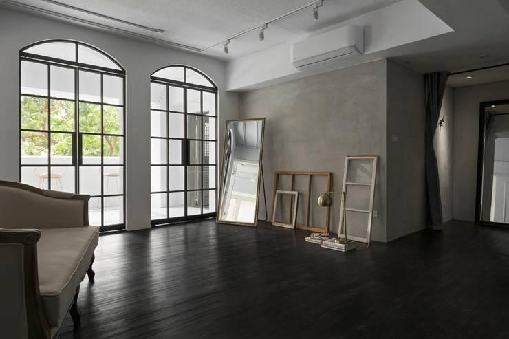Major D Studio:  牆面 by Studio In2 深活生活設計