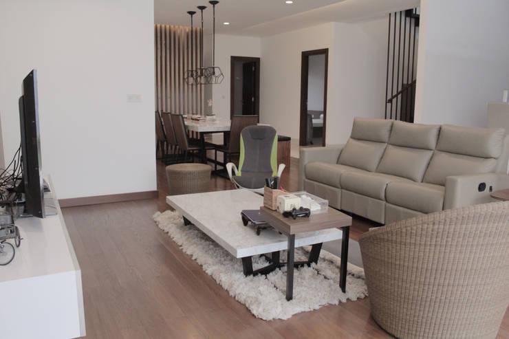 Living room by SAE Studio (PT. Shiva Ardhyanesha Estetika)