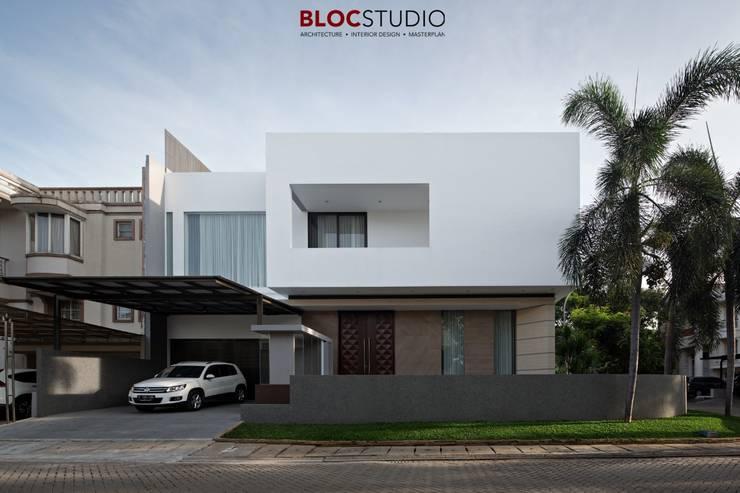 PIKtangular House Oleh BlocStudio Minimalis