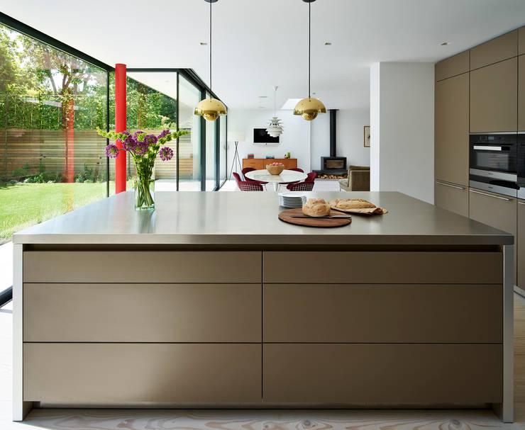 Design Classic :  Kitchen by Kitchen Architecture