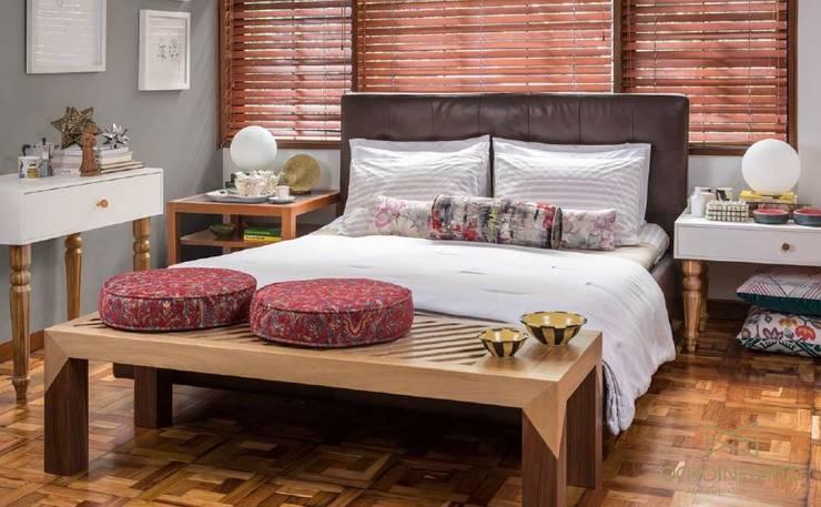 Ausgefallene Schlafzimmer von OCHOINFINITO Mobiliario - Interiorismo Ausgefallen Massivholz Mehrfarbig