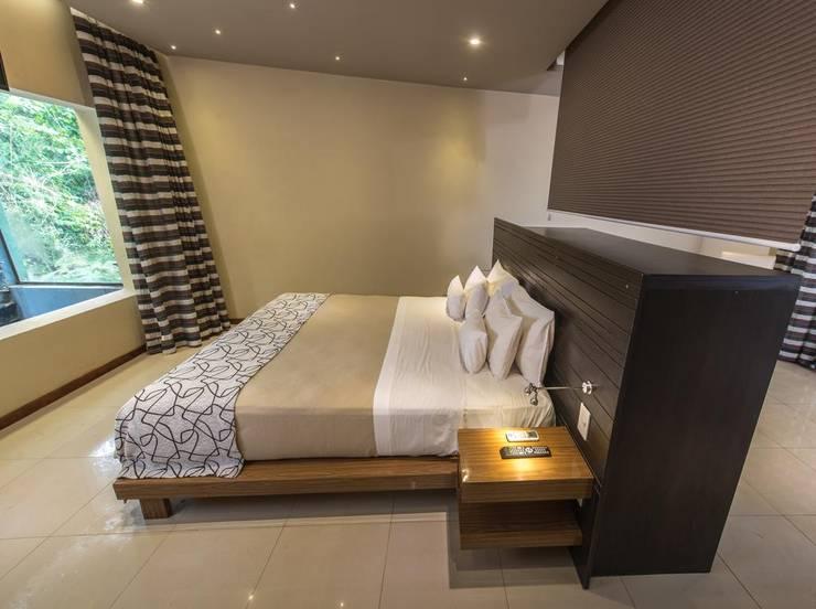 Proyecto y construcción Hotel Ivy: Dormitorios de estilo  por GS TALLER DE ARQUITECTURA