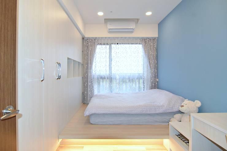 次臥室:  臥室 by 奇恩室內裝修設計工程有限公司