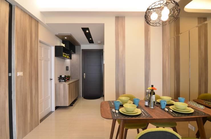 系統板材樣品屋:  餐廳 by 奇恩室內裝修設計工程有限公司