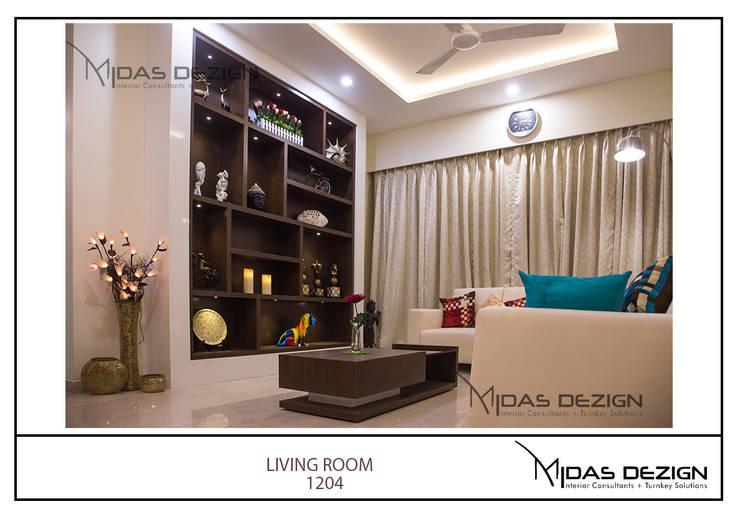 Mr. Sahil Sarbai: asian Living room by Midas Dezign