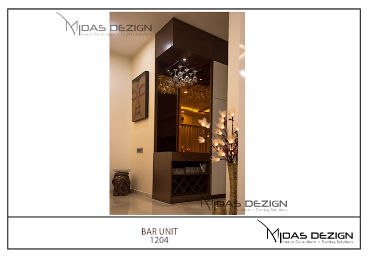 Mr. Sahil Sarbai:  Corridor & hallway by Midas Dezign
