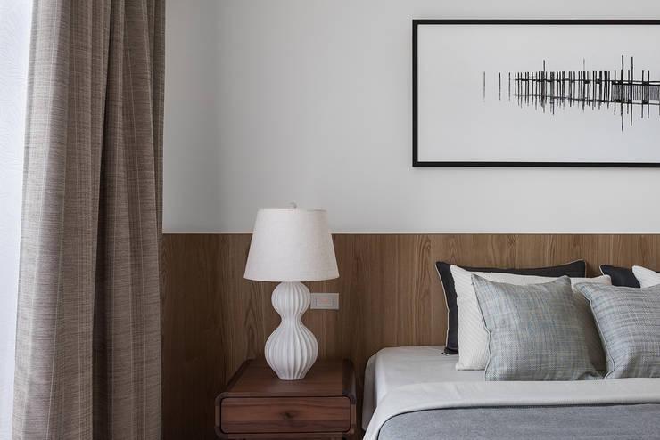 Dormitorios de estilo  de 知域設計, Moderno
