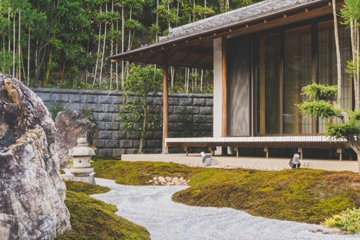 Constructing Your Own Eco-Friendly Garden:  Front yard by Smth Co