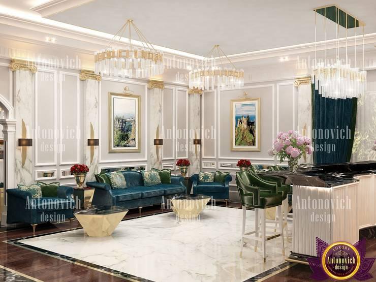 Interior design by Katrina Antonovich:  Living room by Luxury Antonovich Design