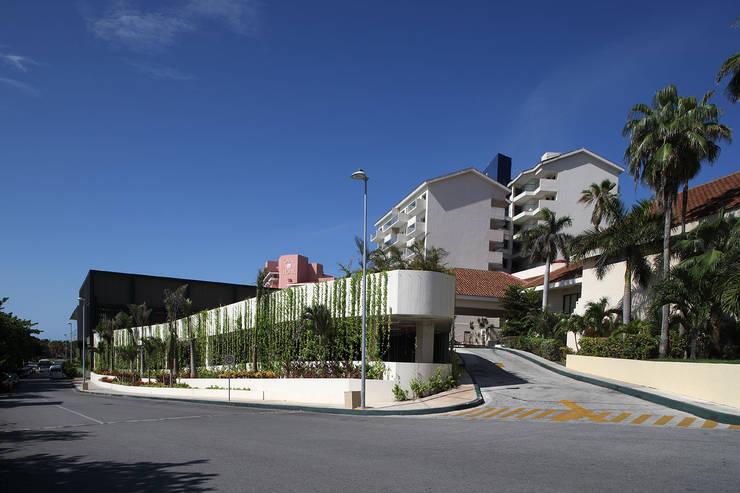 Emporio - IDEA Asociados: Casas de estilo  por IDEA Asociados, Moderno