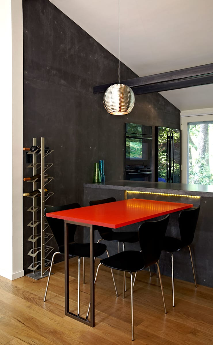 Architects Modern:  Dining room by KUBE Architecture