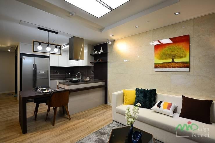 Kitchen by 노마드디자인 / Nomad design