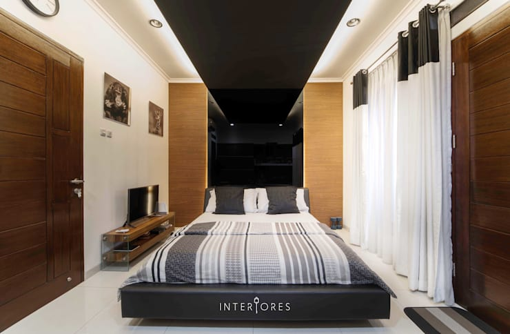 Kamar 2 - Tempat Tidur:  Kamar Tidur by INTERIORES - Interior Consultant & Build
