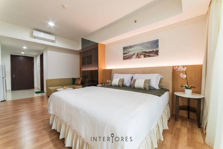 Sleeping Area:  Kamar Tidur by INTERIORES - Interior Consultant & Build