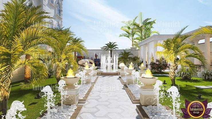 Landscape design and architecture from Katrina Antonovich:  Garden by Luxury Antonovich Design