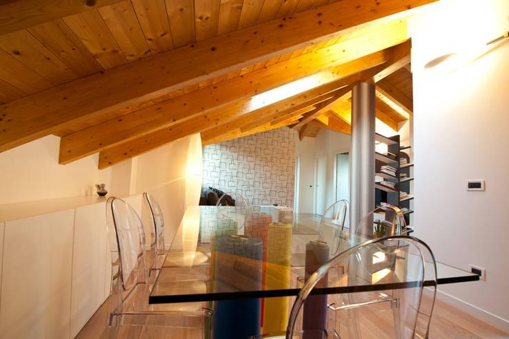 Ruang Makan oleh Annalisa Carli , Modern Kayu Wood effect