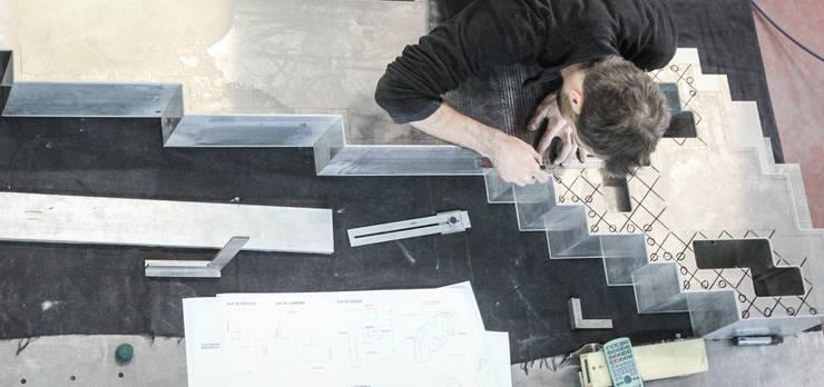 Fabrication: Art de style  par ENZYME Design, Objets Extraordinaires,