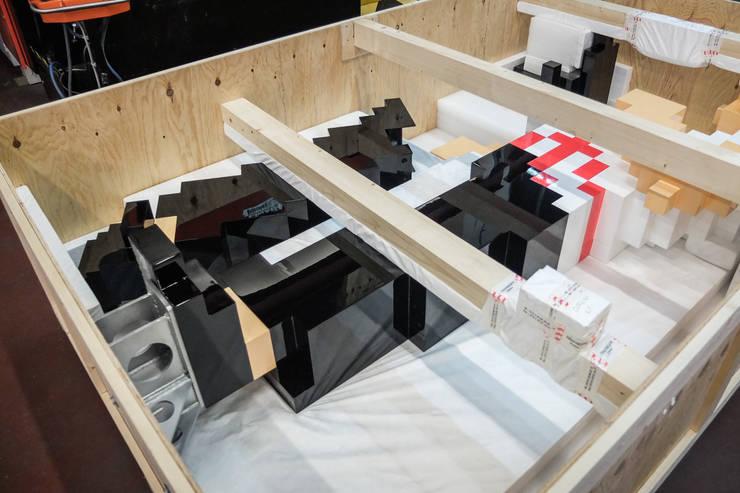 Emballage pour départ: Art de style  par ENZYME Design, Objets Extraordinaires,