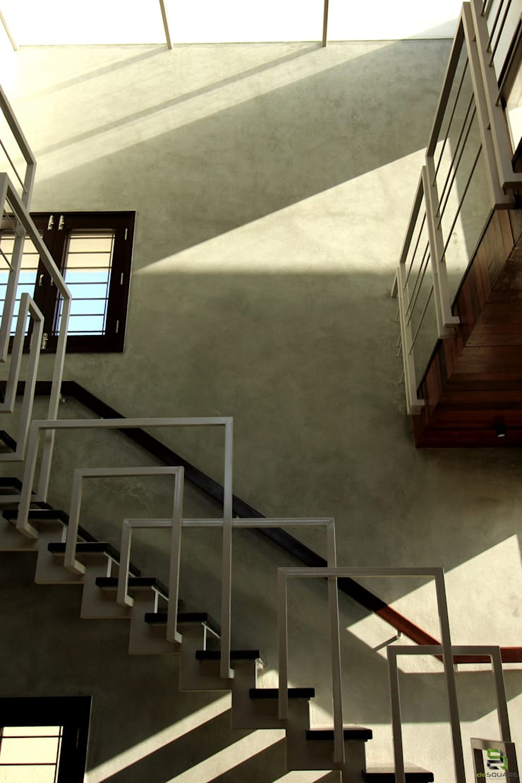 STAIRCASE CUTOUT:  Stairs by de square,Modern