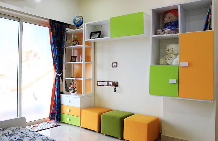 4 BHK Apartment of Mr Sachin Tulsyan Kolkata:  Bedroom by Cee Bee Design Studio,Modern