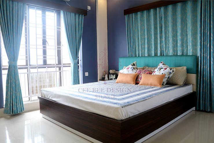 2 BHK Apartment of Mr Ritabrata Ray Kolkata:  Bedroom by Cee Bee Design Studio,Modern