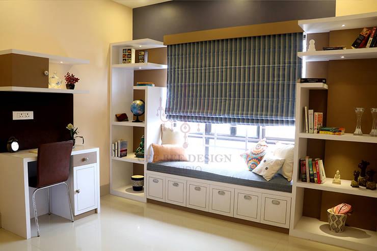 2 BHK Apartment of Mr Ritabrata Ray Kolkata:  Living room by Cee Bee Design Studio,Modern