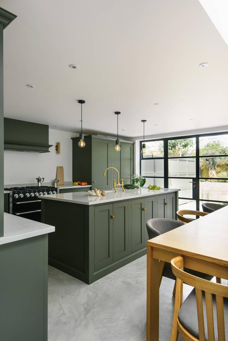 modern Kitchen by deVOL Kitchens