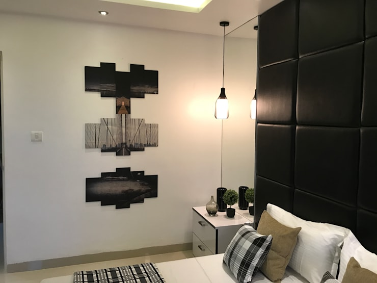 Guest Bedroom - Wall Decor: modern Bedroom by Enrich Interiors & Decors