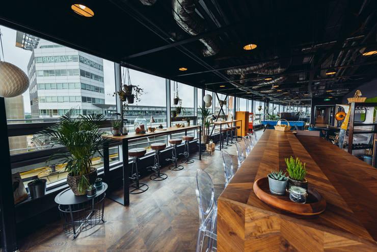 Wooden custom made bar/ kitchen island: modern  von Ivy's Design - Interior Designer aus Berlin,Modern Holz Holznachbildung