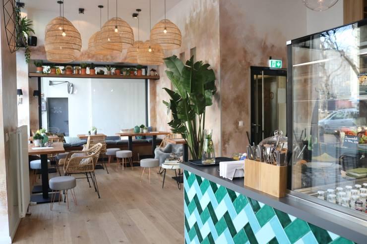 rustikal parquet von Ivy's Design - Interior Designer aus Berlin Mediterran Holzspanplatte