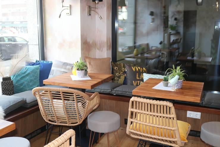 custom made wooden coffee tables von Ivy's Design - Interior Designer aus Berlin Rustikal Holzwerkstoff Transparent
