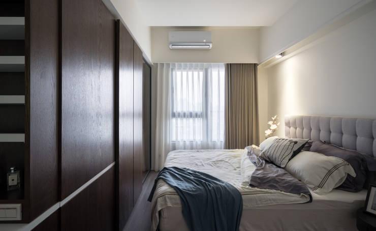 主臥:  臥室 by Moooi Design 驀翊設計