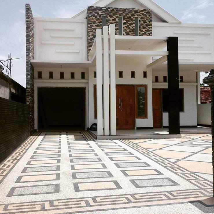 Lantai Carpot:   by Tukang Taman Surabaya - Tianggadha-art