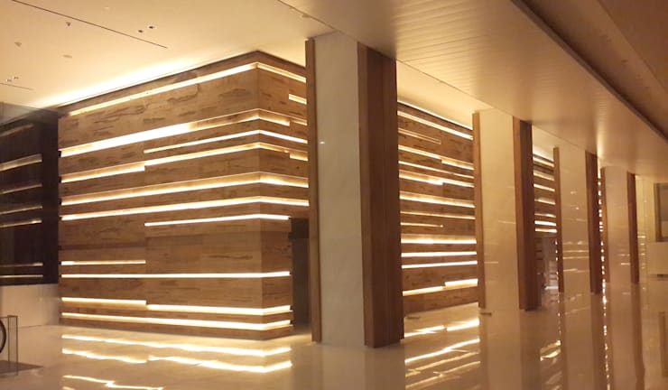 AD Premiere Office Tower Lobby:  Corridor, hallway & stairs by Jati and Teak